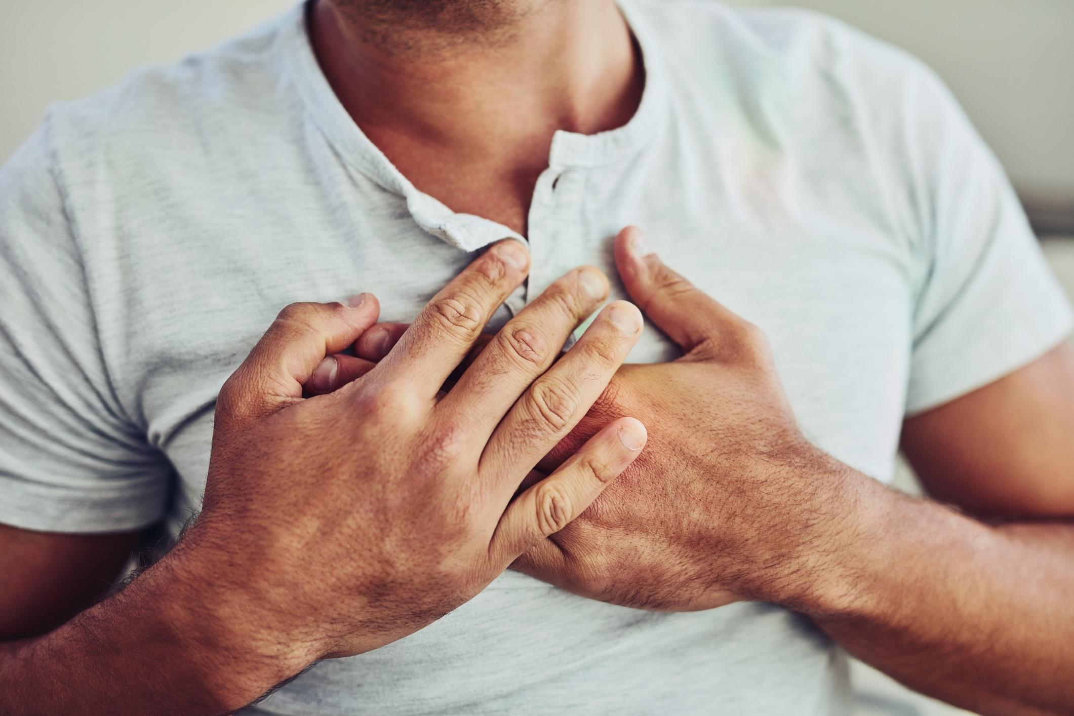 stress dolore al petto