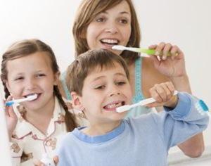 lavare denti igiene orale