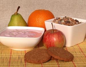 Frutta e yogurt e cereali