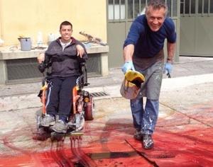 Mattia Luparia artista in carrozzella con padre Fulvio