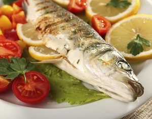 pesce e sole contro carenza vitamina D