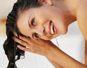 lavarsi capelli con batteri