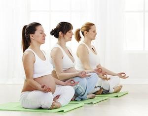 gravidanza, i benefici dello yoga
