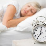 Lo sai che riposi meglio se vai a dormire presto?