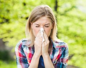 """""""Allergia al polline, lavarsi i capelli riduce i sintomi"""", vero o falso?"""