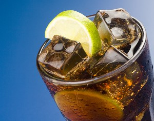 Lo sai che le bevande gassate aumentano l'acidità di stomaco?