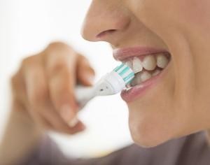 """""""Gengivite, lo spazzolino elettrico la previene"""", vero o falso?"""
