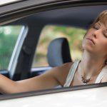 """""""Viaggio in auto, bere acqua evita la sonnolenza"""", vero o falso?"""