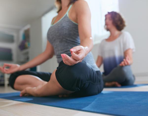 lo yoga può aiutare il dolore pelvico cronico