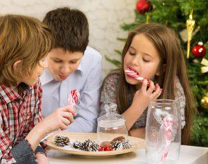 Natale e denti, 4 consigli per proteggerli dalle abbuffate di dolci
