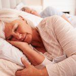 """""""Con l'età è normale cambiare il modo di dormire"""", vero o falso?"""