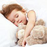 Cosa succede alla salute dei bambini se dormono poco?