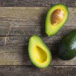 """""""Scottature solari, l'avocado è un rimedio naturale per la pelle"""", vero o falso?"""