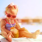 In vacanza con i bambini: 7 consigli per affrontare il caldo