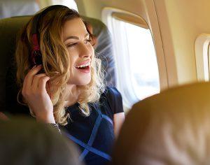 Cefalea da aereo, lo sai che la eviti con un analgesico prima di partire?