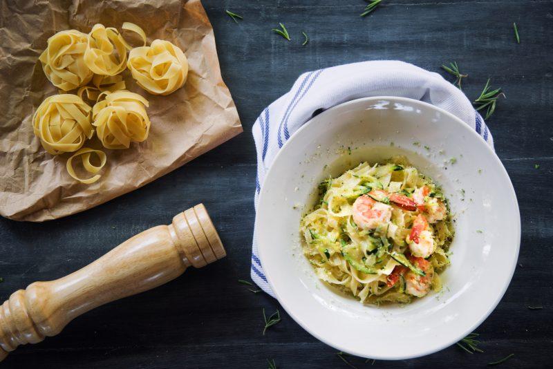 pasta zucchine gamberi zafferano