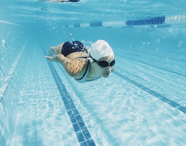Il bagno al mare o in piscina favorisce la cistite vero o falso humanitas salute - Bagno in piscina in gravidanza ...